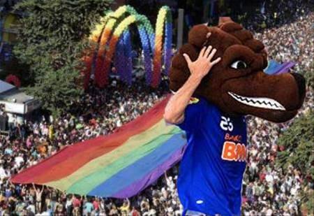 Roger na Parada Gay