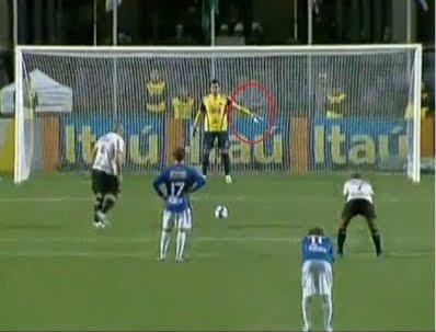 Fabio do Cruzeiro entrega mais uma vez
